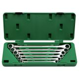 Set of gear wrenches with universal features, extra long series